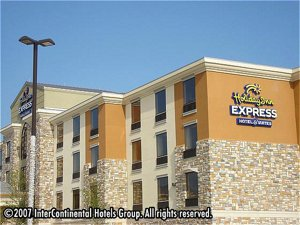 Holiday Inn Express Hotel & Suites Desoto