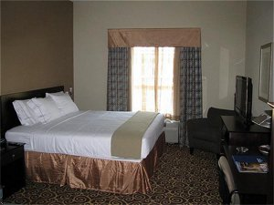 Holiday Inn Express Hotel & Suites Kansas City - Grandview