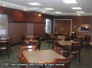 Holiday Inn Express Fort Wayne-East (New Haven), I