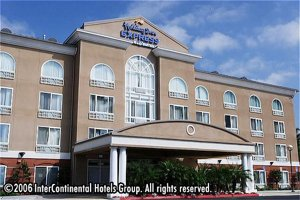 Holiday Inn Express Hotel & Suites San Diego-Sorrento Valley/Carm