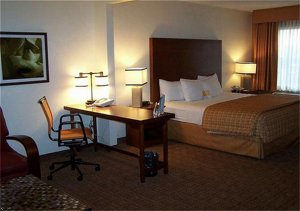 Woodfield Suites Chicago North Shore