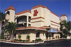 Red Roof Inn & Suites Naples