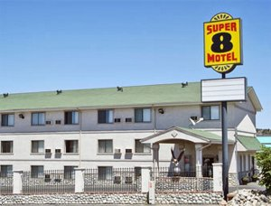 Super 8 Motel - Castle Rock